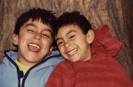 Adrian y Mau riendo (1)